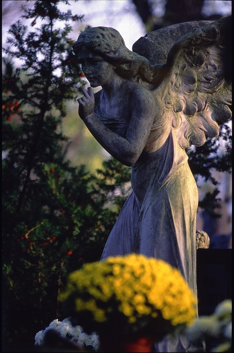 cemetery-499766_960_720.jpg