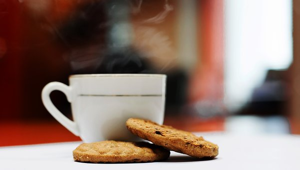 coffee-with-biscuits-1810101__340.jpg