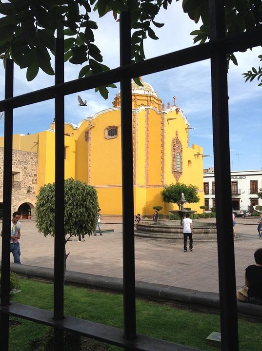 plaza-642591_960_720.jpg