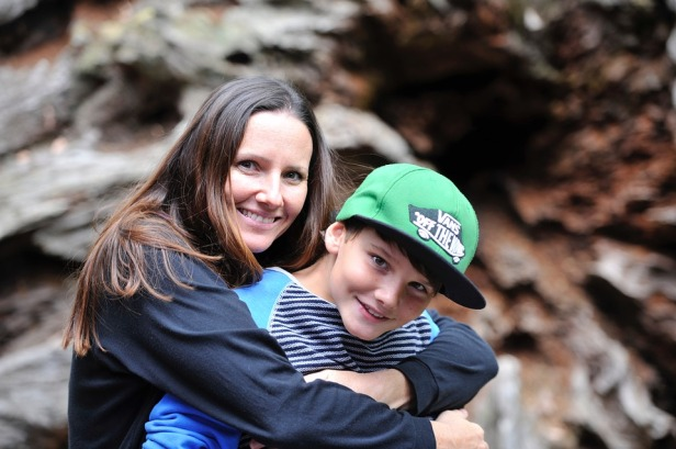 mother-and-son-2404328_960_720.jpg